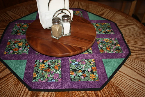 beautiful quilted table runner
