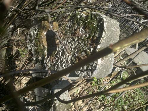 заброшенная могила на Богословском кладбище