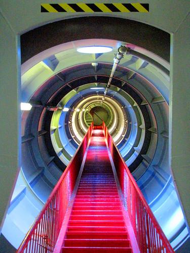 Inside the Atomium 3