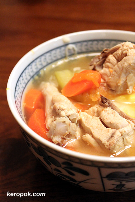 Chicken and Mee Suah Soup