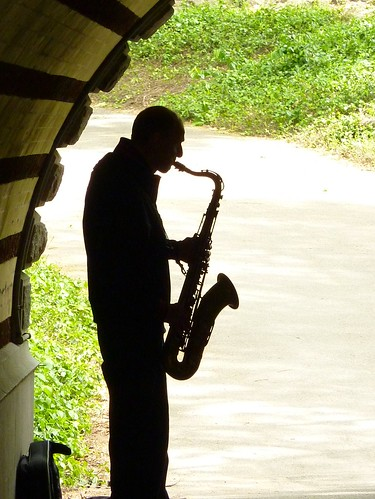 Man playing saxophone in New York City