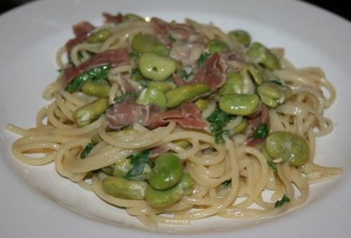 Broad bean & prosciutto carbonara