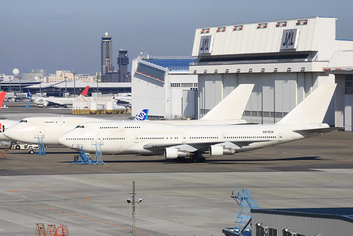 Boeing 747-300(N818SA)
