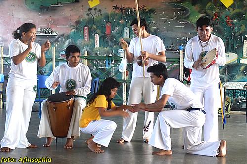 Capoeira Oxalá 19 por você.