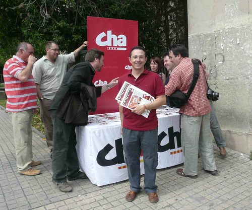 Martínez Tomey, de campaña en la Universidad de Zaragoza