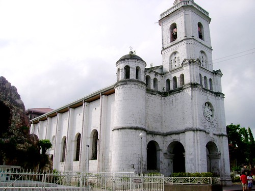 The first stop is San Tomas de Villanova -St. Tomas of Villanova- in Pardo. Built more like a fortress tower, its fascinating byzantine design is from this man, Domingo de Escondrillas, said to have been the lone architect during his days, he also designed the Carcel -their version of Bilibid Viejo of Manila – El Carcel is now the city's Museum.