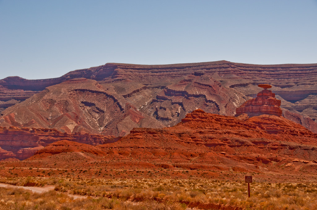 Mexican Hat and some dipping sediments