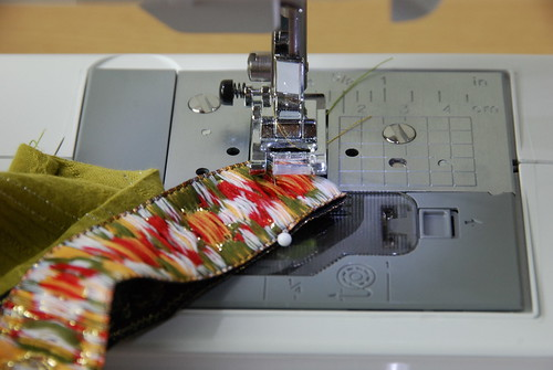 1. Create a bent corner in the woven ribbon