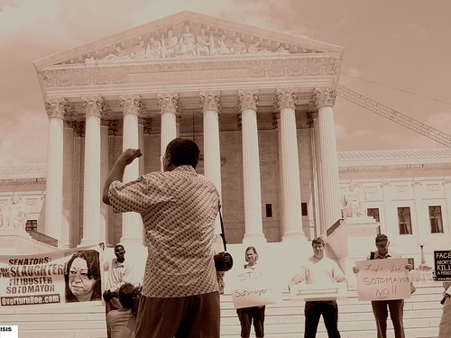 Randall Terry yells at SCOTUS Building in DC 7/12/09 Photo by Isis