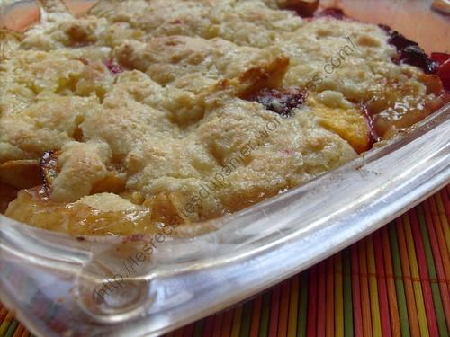 Délice aux pommes, prunes et pêches / Apple, plum and peach cobber