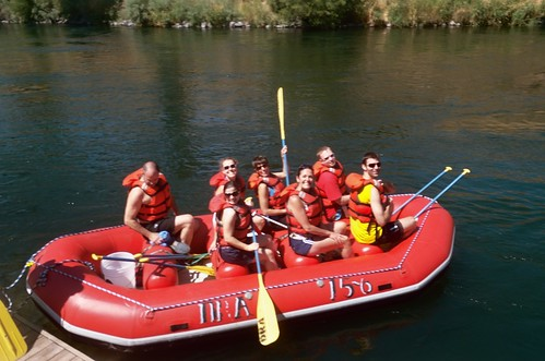 Rafting on the Deschutes by MediumTall.