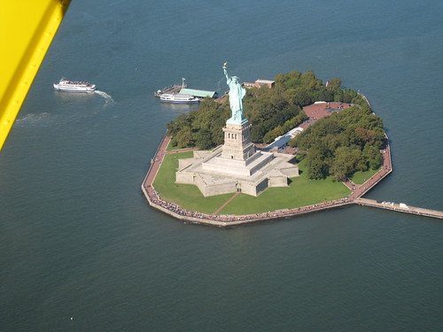 Johns flight down the Hudson River
