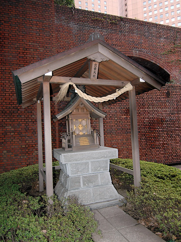 Small shrine outside Sumitomo building