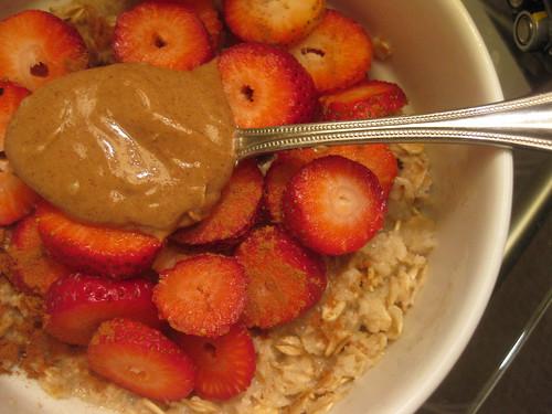 Strawberry Almond Butter Oats