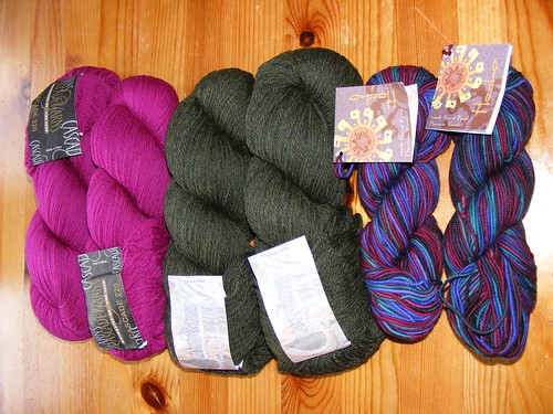From L to R: Cascade 220 in Magenta, Cascade 220 Heathers in Olive, Mirasol Hacho in Verde Ripple