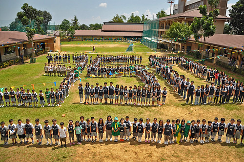 Bright Academy students from Cebu City, Philippines joined blogger Esperanza Garcia and people all over the world to make a 350 statement and take a stand for a safe climate future.