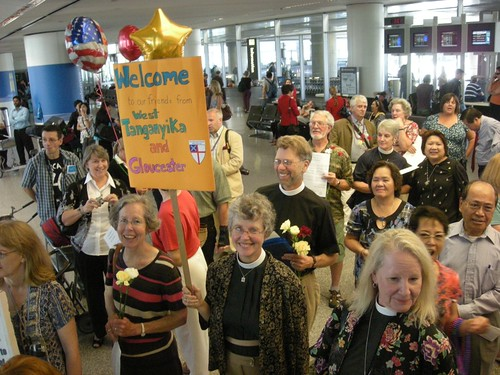 Waiting for the Bishops at SFO photo: copyright 2009 John Plocher