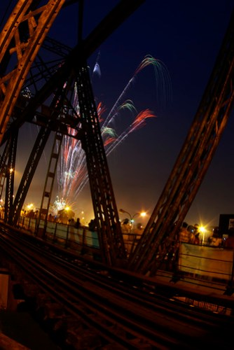 firework at the 999 year aniversary of longbien (by Tony Trần)