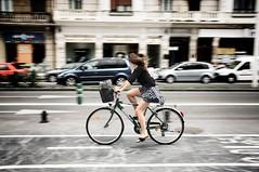 La chica de la bici / The Girl on bike