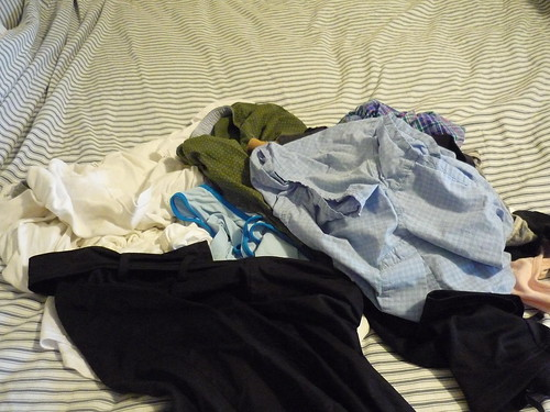 Sorting out clean laundry