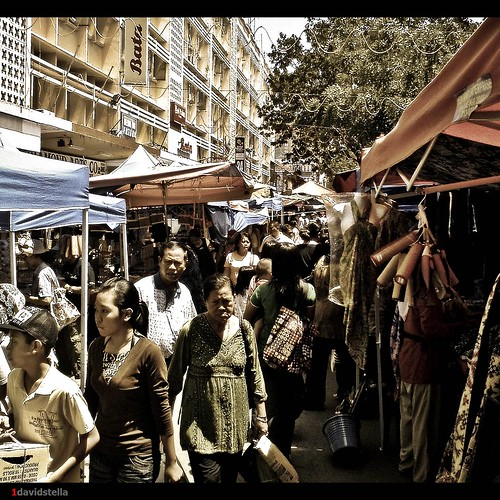 Sunday market at Gaya street