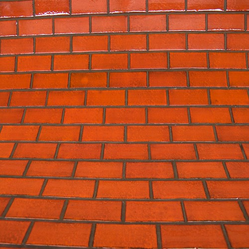 Hot+Pink+%28brick+wall%29