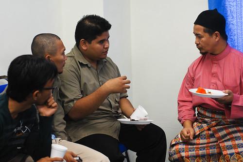 Mengambil peluang beramah mesra dengan Ustaz Annuar Salleh, YDP ISMA DHL
