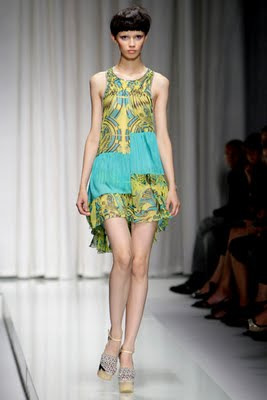 Versace+Spring+2010+Collection+45