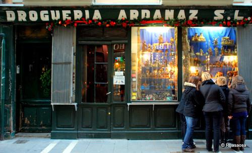 """""""Droguería Ardanaz"""", un clásico del comercio de Pamplona, situada en la calle Mayor."""