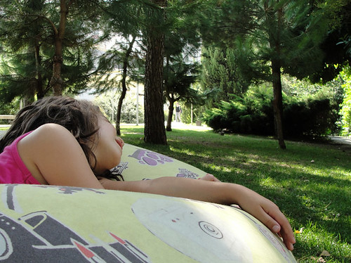 almofadas no jardim by you.