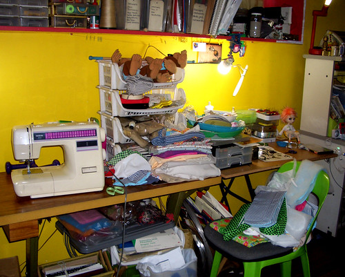 Sewing Mess 23 October 2009