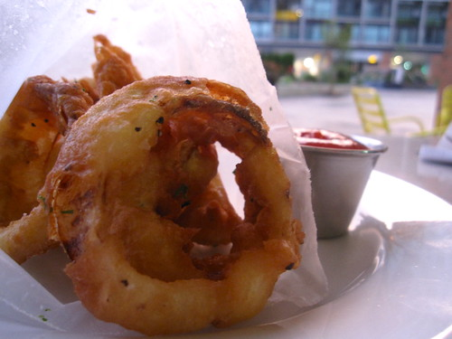 PYT Battered Onion Rings w/ ketchup