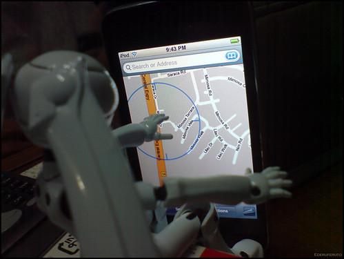 Ojou-sama using the GPS 02
