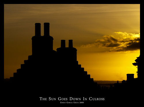 THE SUN GOES DOWN IN CULROSS