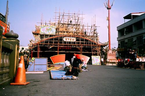 東隆宮-準備王船祭的牌樓