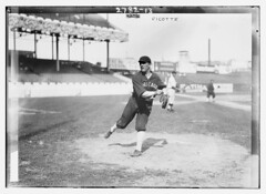 [Eddie Cicotte, Chicago AL, at Polo Grounds, N...