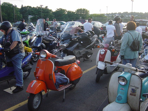Behind Javaspeed ... getting ready to head out on the Wednesday night ride