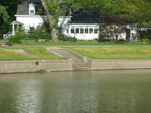 IL, Pontiac 26 - steps into Vermillion River
