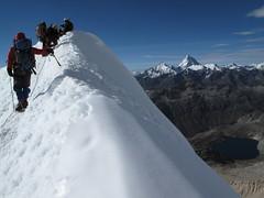Arrivée au sommet de l'Ishinca, 5530m
