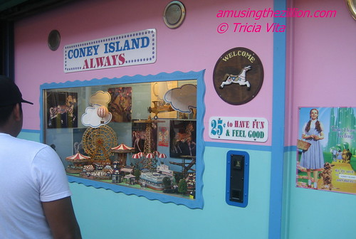 Coney Island Always, 25 cents to have fun. Photo © Tricia Vita/me-myself-i via flickr