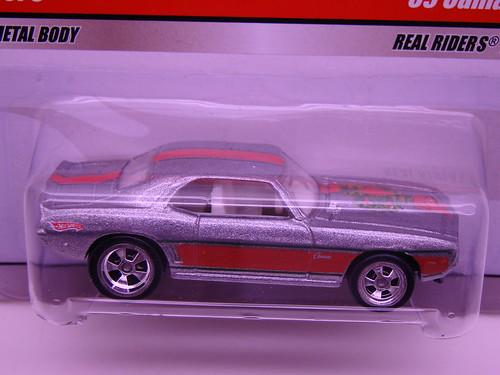 Larrys Garage Christmas Camaro