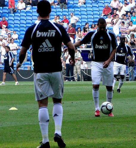 Ronaldo & Benzema warm up