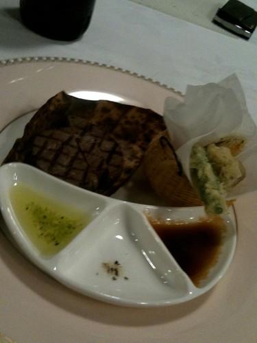 牛フィレグリエ 三種の味、季節野菜添え