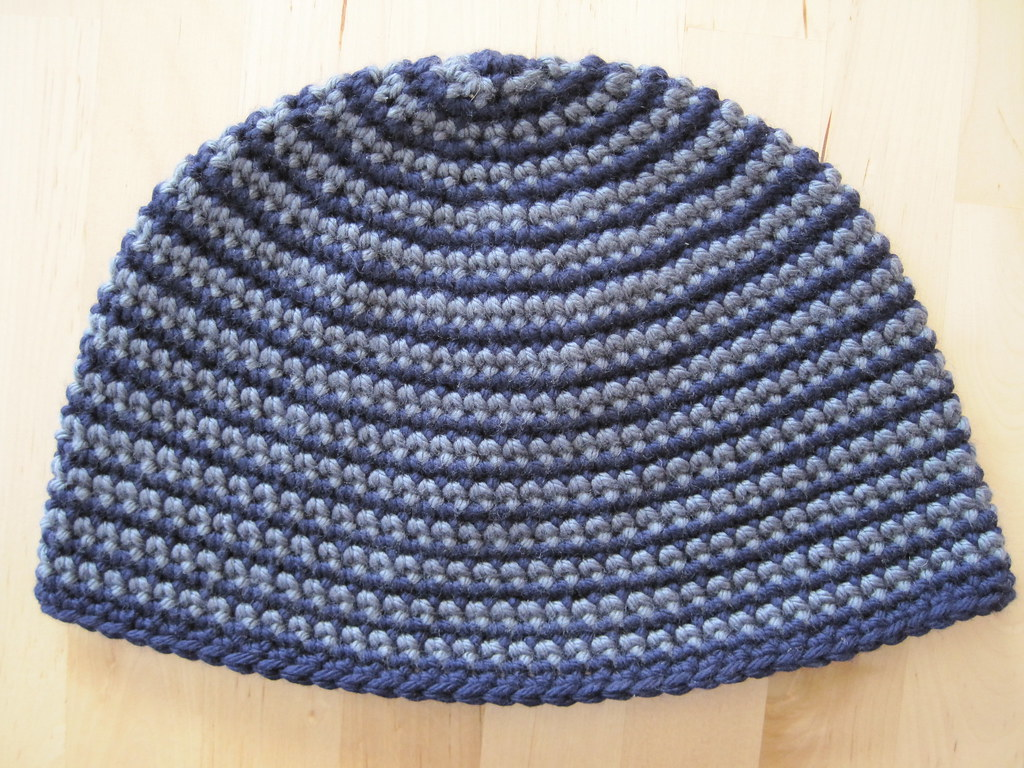 Two colour spiral beanie