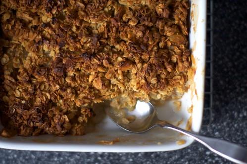 Smitten Kitchen : Breakfast Apple Granola Crisp