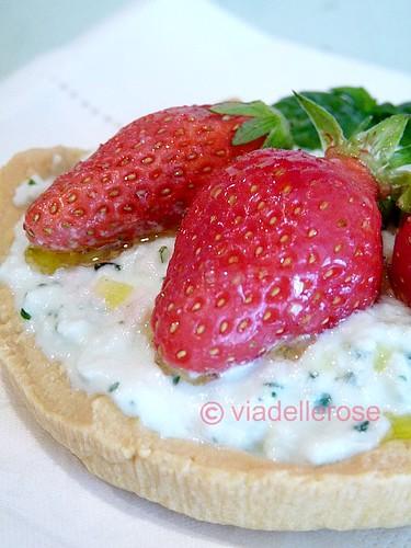 Tartellete al Grana Padano e frutta fresca