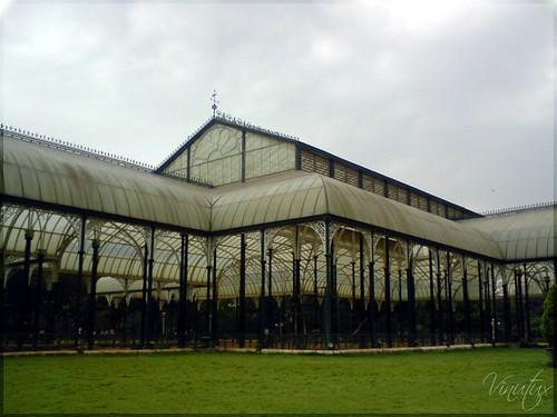 Glass-House-bglr