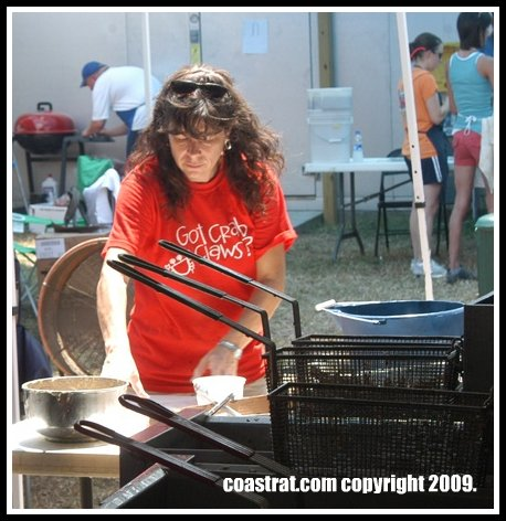DSC_0130A-LADY-RED-SHIRT-COOKING