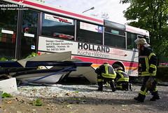 Bus überrollt Haltestelle in Dotzheim 12.08.09