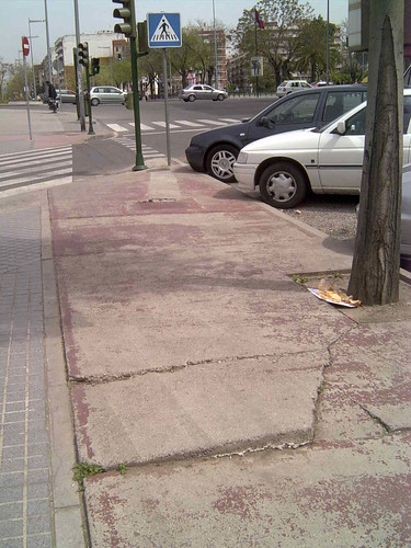 Aspecto del carril Bici de la avenida de America antes de la intervención.